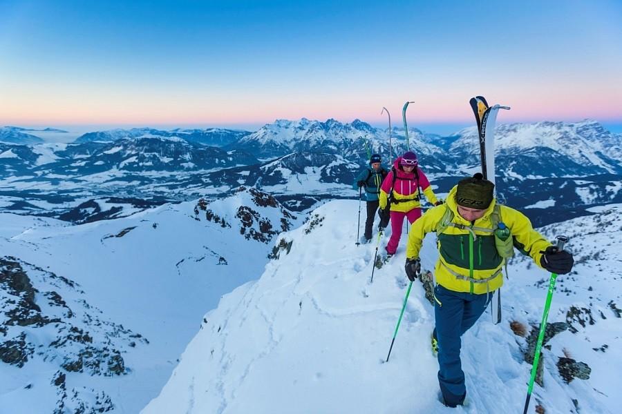 Steinplatte Waidring Skifahren in Tirol
